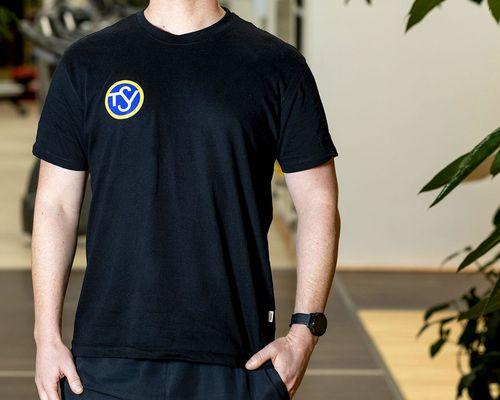 """""""Black is beautiful"""" - neue T-Shirts für unsere Trainer"""